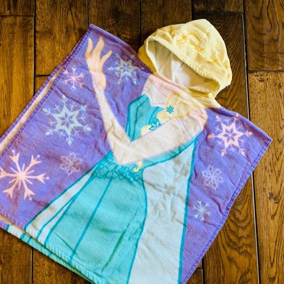 Disney Elsa Hooded Towel